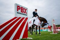 Luis Márquez continues and wins the Palibex